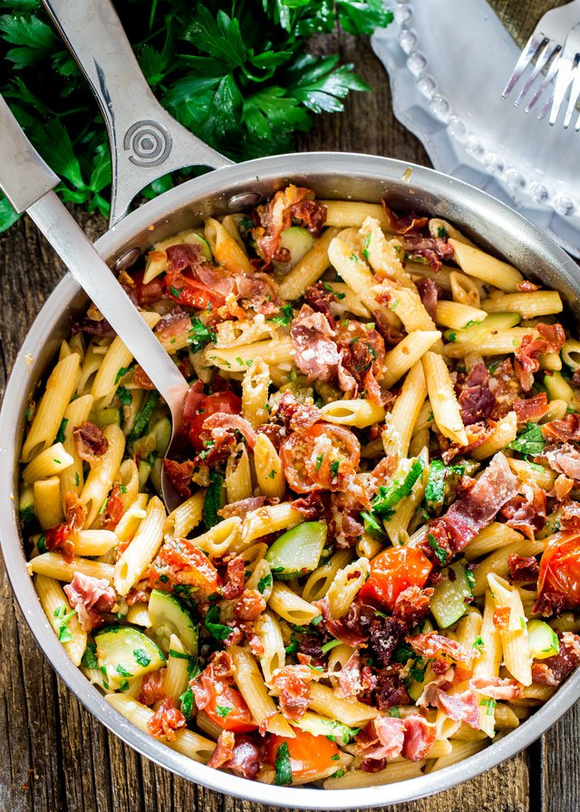 penne-with-prosciutto-tomatoes-and-zucchini-1