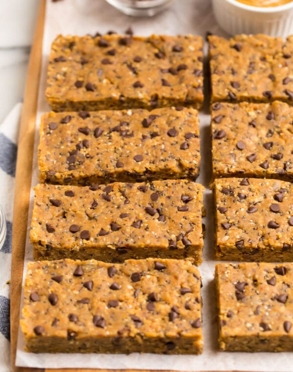 High protein snack bars for quick breakfasts and snacks
