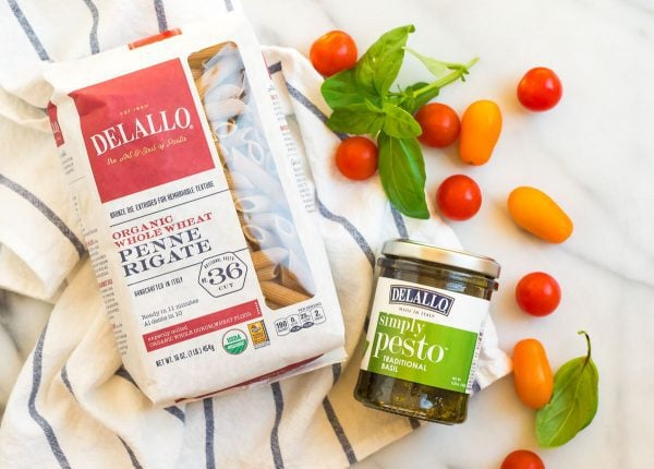 Tasty whole wheat penne rigate pasta and pesto sauce for making this creamy chicken pesto pasta recipe