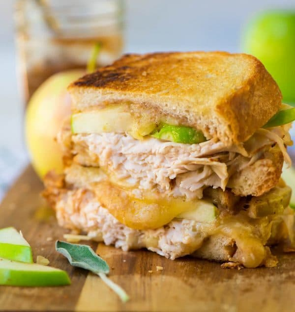Turkey Cheddar Apple Grilled Cheese Sandwiches. The best fall flavors! Healthy comfort food that's perfect for easy lunches, family meals, and all those extra granny smith apples. Recipe at wellplated.com