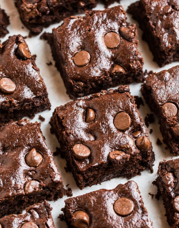 Healthy vegan brownies with chocolate chips