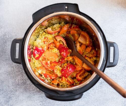 Rice, red bell peppers, and carrots in an Instant Pot
