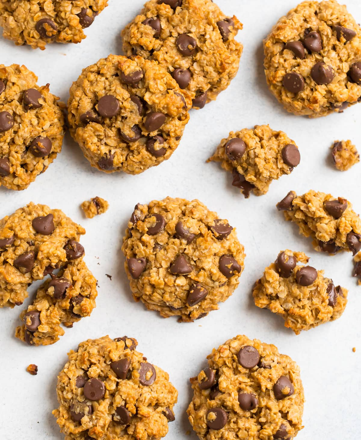 Peanut butter oatmeal cookies with chocolate chips and honey