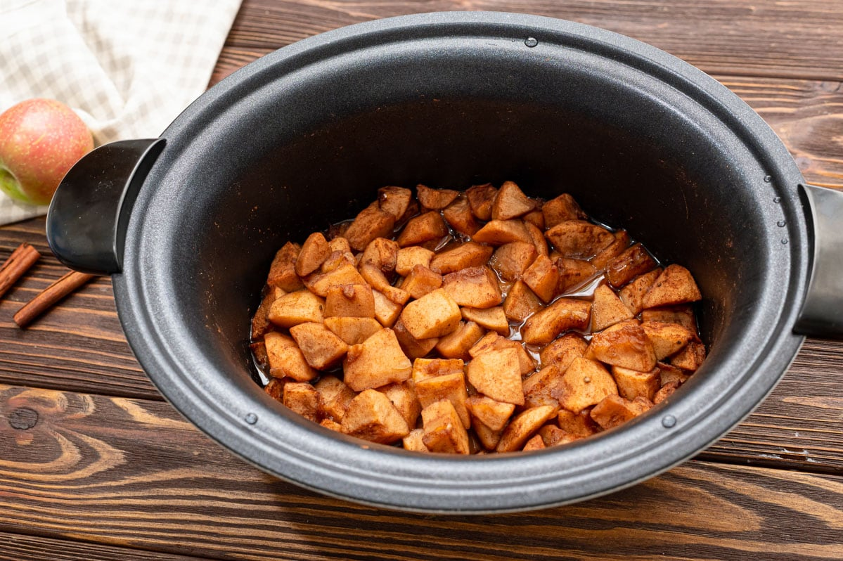 Apples in a slow cooker