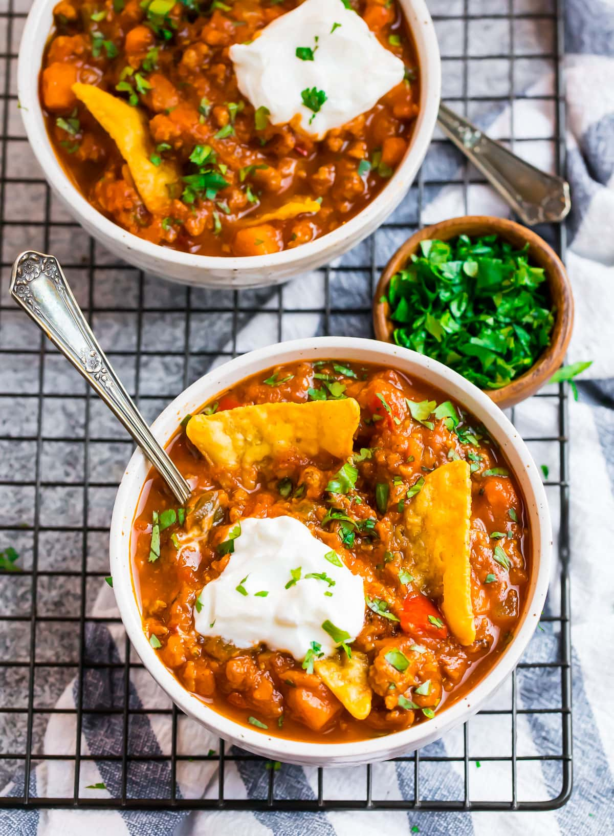 Two bowls of healthy pumpkin chili
