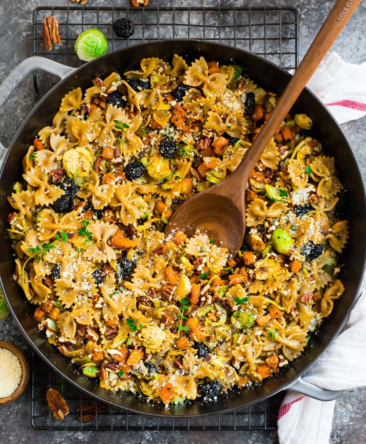 Pasta with vegetables in a skillet