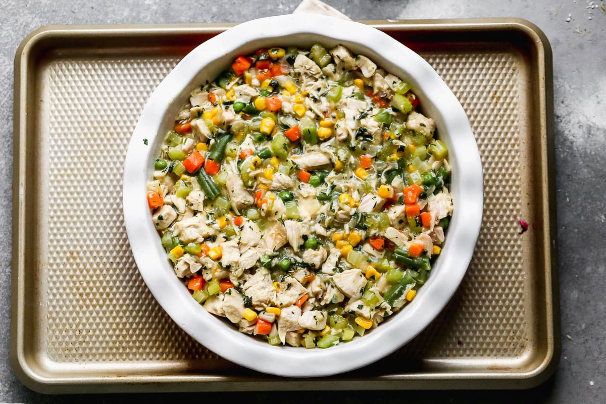 Vegetables and meat in a pie dish