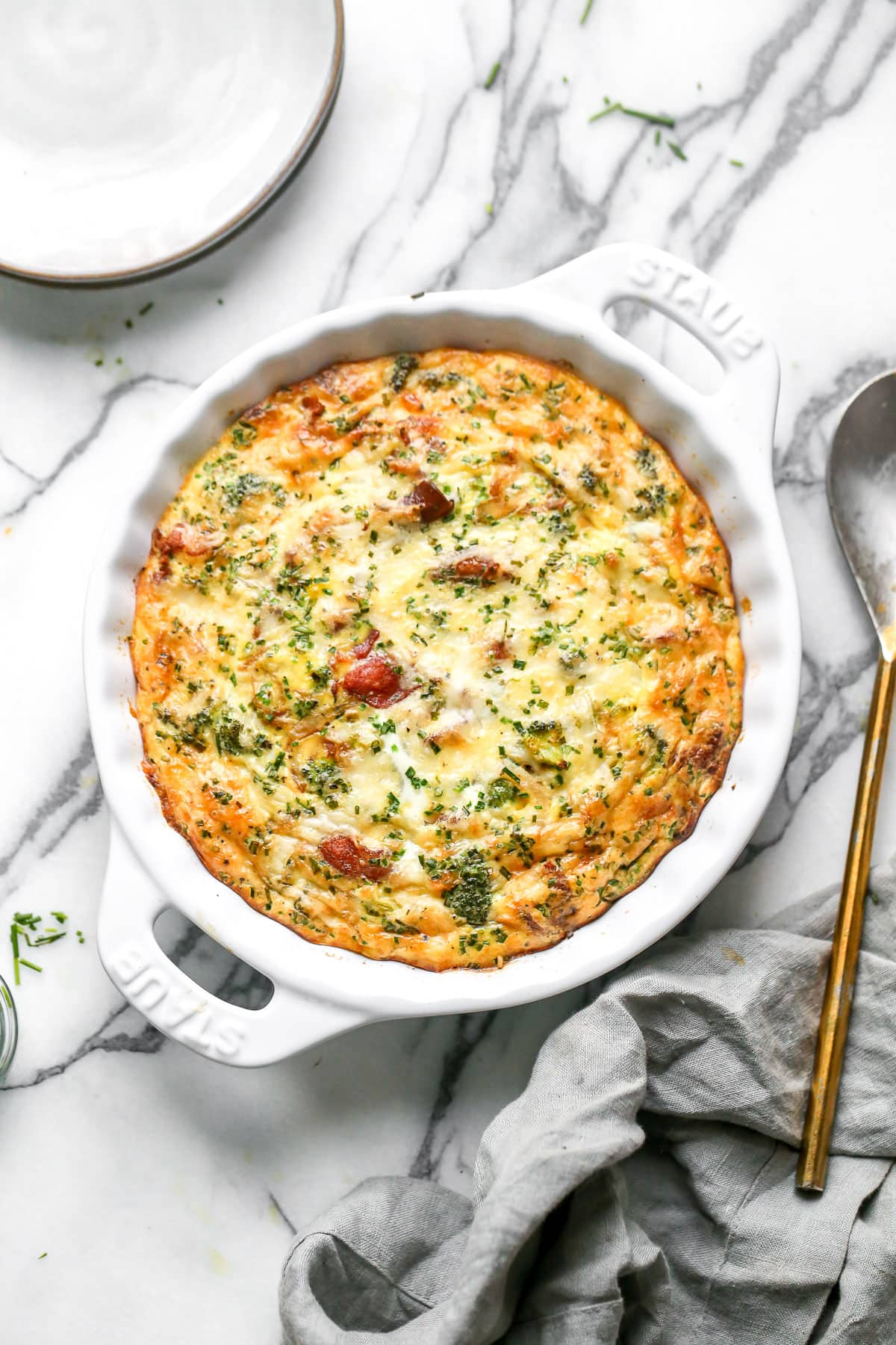 Crustless quiche with bacon and vegetables