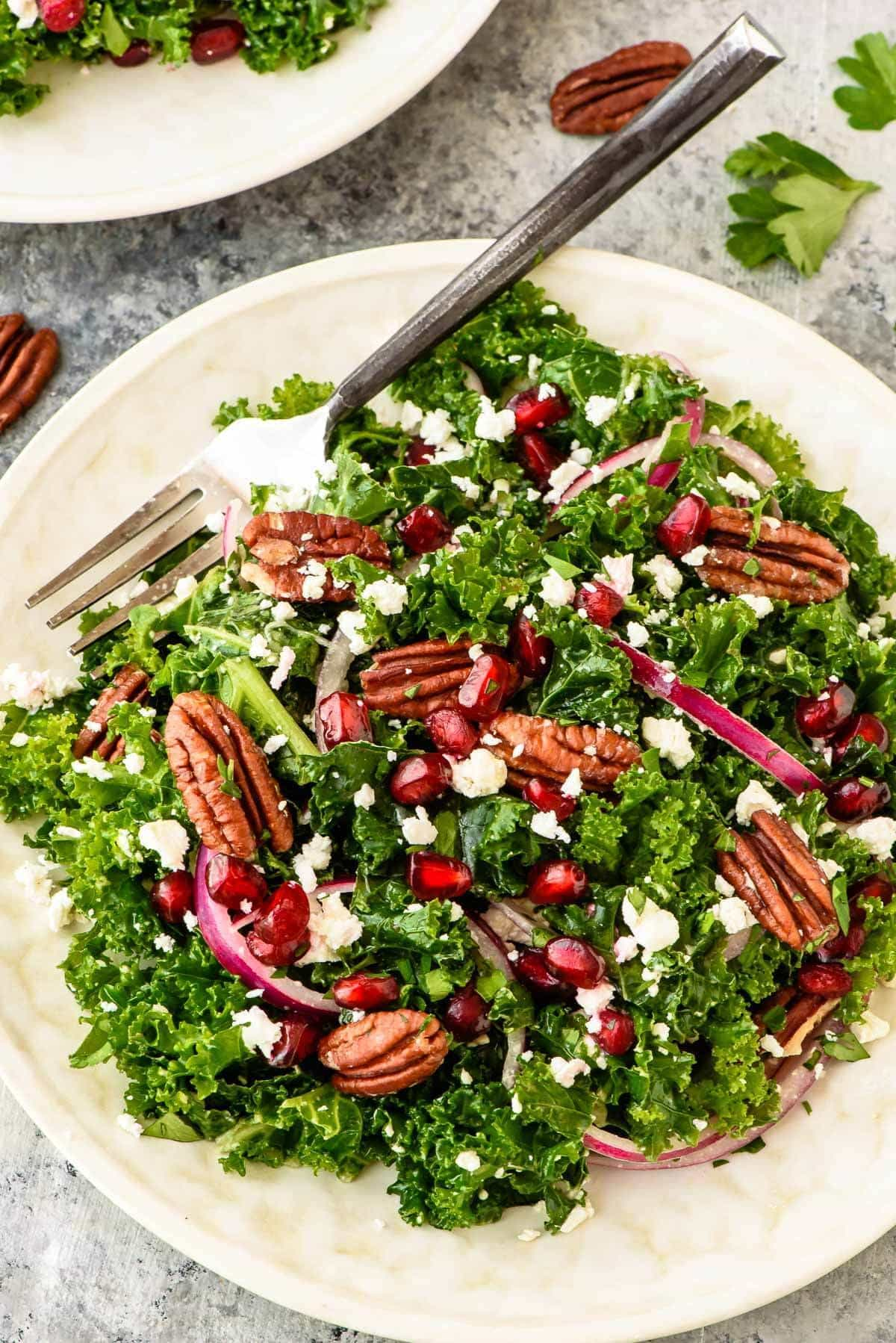 Crisp winter salad with pecans and feta