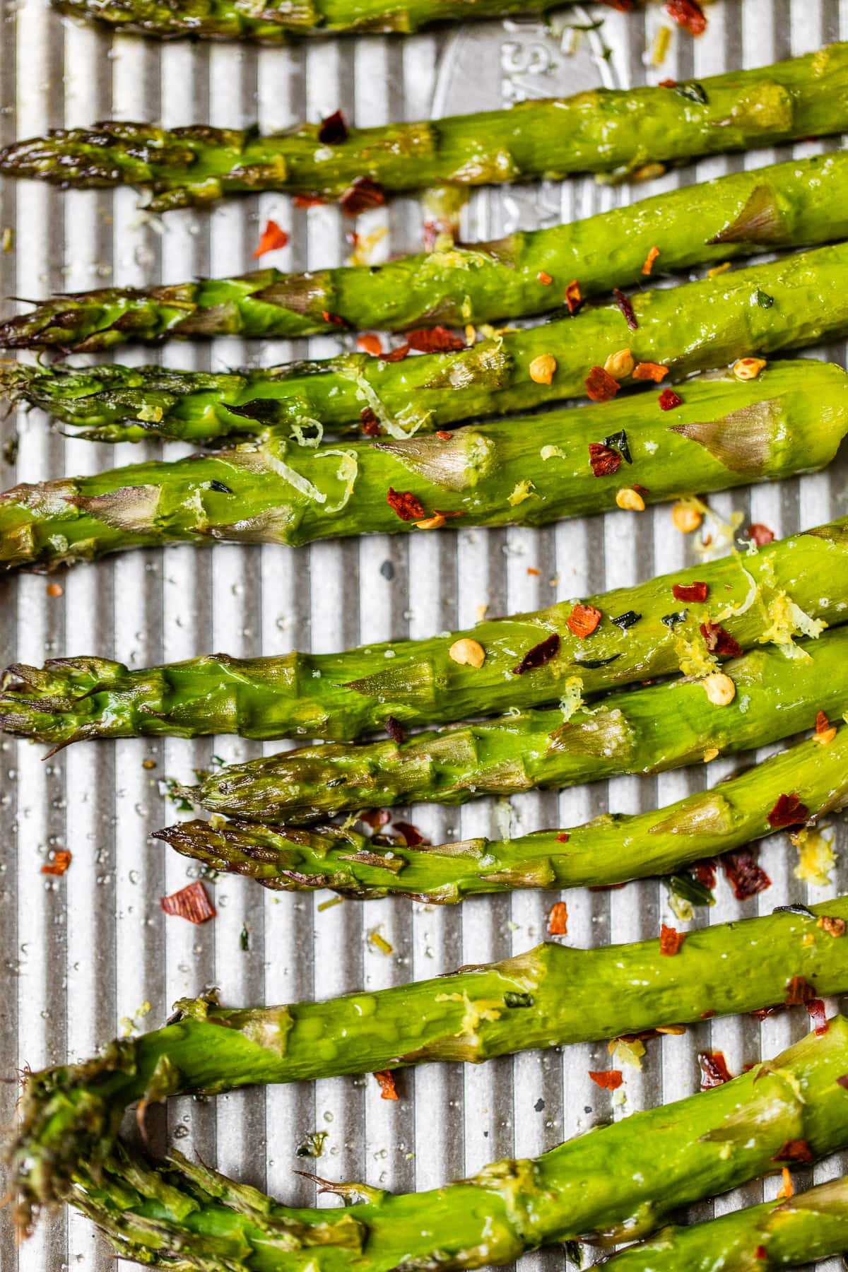 Roasted asparagus spears with spices