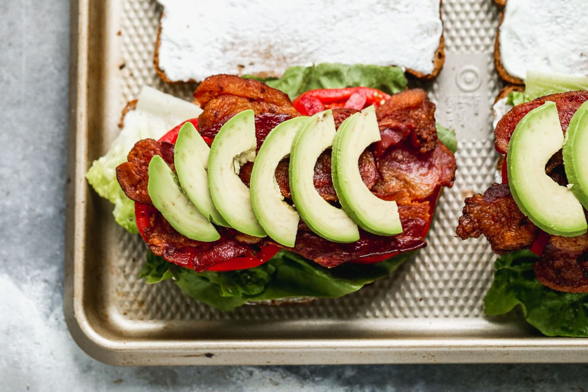 blt ingredients with avocado