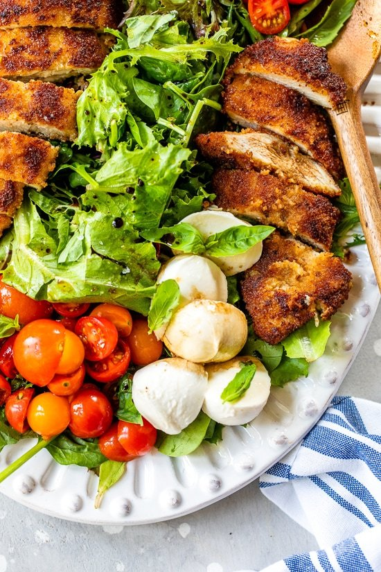 caprese salad with chicken cutlets